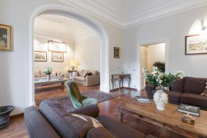 Amazing 4 bedrooms apartment with garden - abcRoma.com