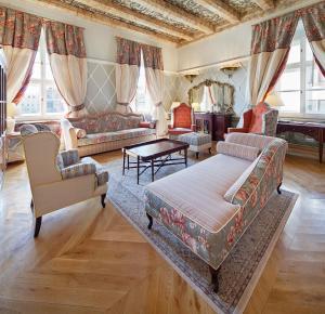 The Bonerowski Palace (25 of 64)