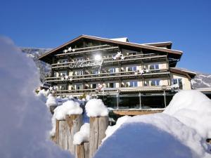 Aktiv- und Wellnesshotel Haidachhof ****superior - Hotel - Fügen
