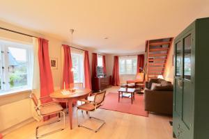 Ulenhof Appartements, Ferienwohnungen  Wenningstedt-Braderup - big - 38