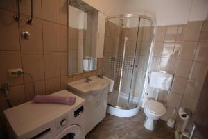 Apartment Jure, Apartmanok  Trogir - big - 23