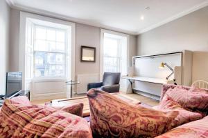 Luxury Frederick Street Apartment