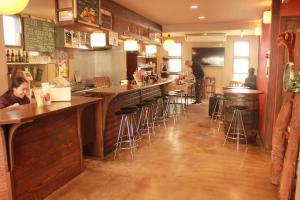 Hostel & Cafe Backpackers Miyajima, Hostels  Miyajima - big - 1