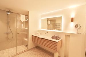 Ulenhof Appartements, Ferienwohnungen  Wenningstedt-Braderup - big - 52