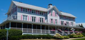 Harbor House Inn - Accommodation - Grand Haven