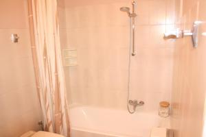 Appartement Le Chantilly 6, Apartmány  Cagnes-sur-Mer - big - 9