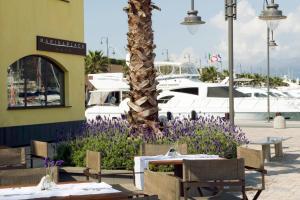 Marina Place Resort, Hotels  Genoa - big - 41
