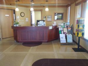 Prairie Inn & Suites, Hotels  Holmen - big - 9