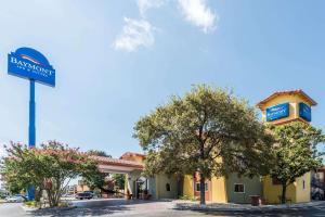 Baymont by Wyndham San Antonio Near South Texas Medical Ctr