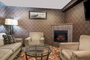 Baymont by Wyndham Eau Claire WI - Hotel - Eau Claire