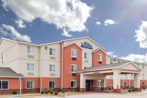 Baymont by Wyndham Fulton - Hotel