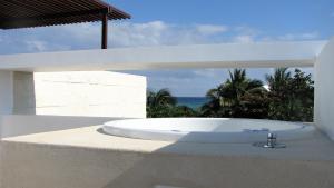 obrázek - Luxurious ocean view villa by the beach