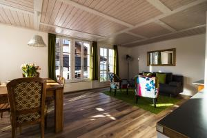 Ula's Holiday Apartments, Apartmanok  Beatenberg - big - 16