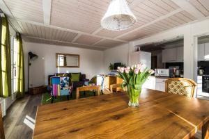 Ula's Holiday Apartments, Apartmanok  Beatenberg - big - 17