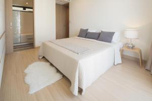 Mattani Suites, Апартаменты  Бангкок - big - 52