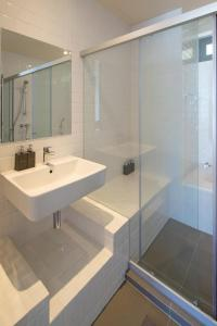 Mattani Suites, Апартаменты  Бангкок - big - 53