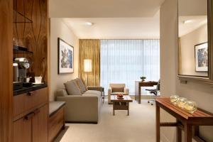 Shangri-La Hotel, Vancouver (13 of 73)