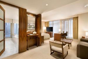 Shangri-La Hotel, Vancouver (12 of 73)