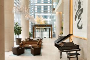 Shangri-La Hotel, Vancouver (1 of 76)