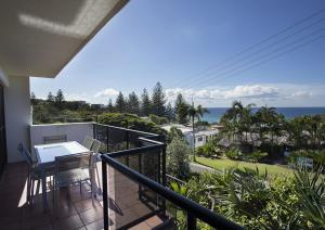 Ocean Views in Sunshine - Crank Street