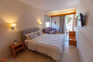 Hostales Baratos - Antikyra Beach Hotel