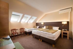 Hotel Honti, Отели  Вишеград - big - 36