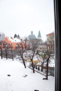 Hrushevsky Apartment Near The Theater, Apartmanok  Ternopil - big - 33