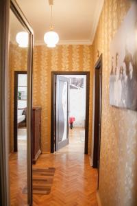 Hrushevsky Apartment Near The Theater, Apartmanok  Ternopil - big - 27