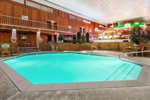 Ramada by Wyndham Ely, Hotels  Ely - big - 26