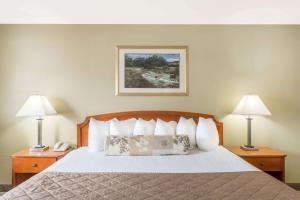 Ramada by Wyndham Ely, Hotels  Ely - big - 28