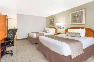 Ramada by Wyndham Ely, Hotels  Ely - big - 31