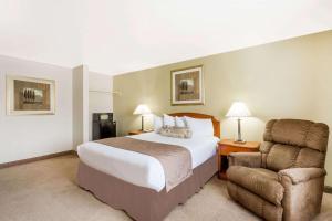 Ramada by Wyndham Ely, Hotels  Ely - big - 45