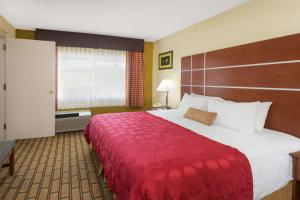 Ramada by Wyndham Asheville Southeast, Hotels  Asheville - big - 32