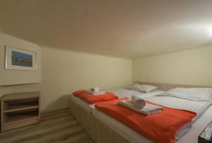Euro-Room Rooms & Apartments