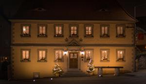 Der Patrizierhof - Weingut Gasthof Hotel - Familie Grebner - Castell