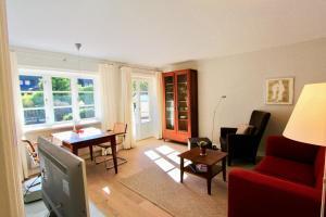 Ulenhof Appartements, Ferienwohnungen  Wenningstedt-Braderup - big - 56