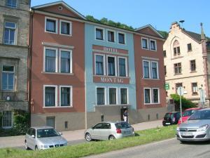 Hotel Montag - Holzfeld