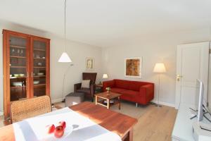 Ulenhof Appartements, Ferienwohnungen  Wenningstedt-Braderup - big - 57