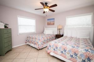 Haley's Couples Retreat, Motely  Holmes Beach - big - 59