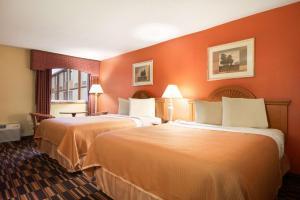 Travelodge Sturgis- Michigan, Motels  Sturgis - big - 12