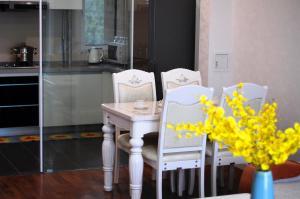 WeiHai Emily Seaview Holiday Apartment International Bathing Beach, Ferienwohnungen  Weihai - big - 5