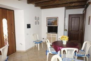 La Vecchia Montagna B&B, Bed and breakfasts  Gonnesa - big - 20