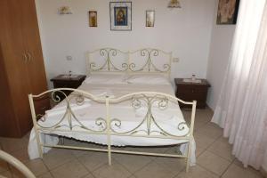 La Vecchia Montagna B&B, Bed and breakfasts  Gonnesa - big - 11
