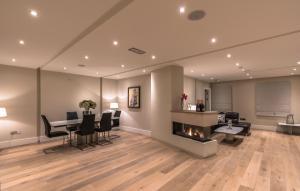 The Pierce Brosnan Suite by 5STARSTAY - Dublin