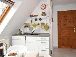 Cozy Apartment in Kropelin Germany near Sea, Apartmanok  Kröpelin - big - 11