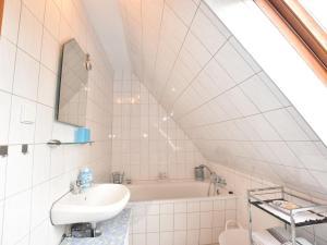Cozy Apartment in Kropelin Germany near Sea, Apartmanok  Kröpelin - big - 24