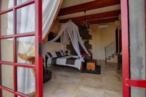 Ta Tumasa Farmhouse, Отели типа «постель и завтрак»  Надур - big - 43