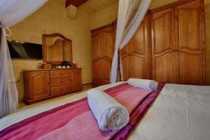 Ta Tumasa Farmhouse, Отели типа «постель и завтрак»  Надур - big - 57