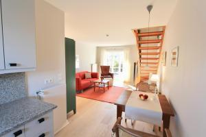 Ulenhof Appartements, Ferienwohnungen  Wenningstedt-Braderup - big - 62
