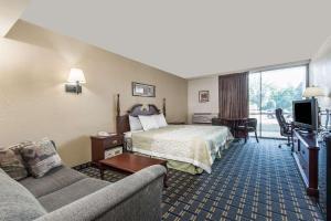 Days Inn by Wyndham Vernon, Hotels  Vernon - big - 17